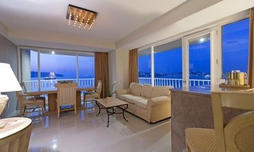 Junior Suite Hotel Krystal Beach Acapulco -